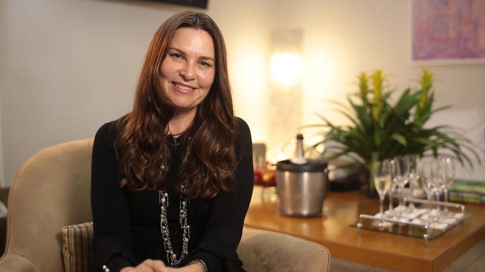 Dra. Luciana Lourenço fala sobre os tratamentos ideias para a saúde e a queda de seus cabelos!