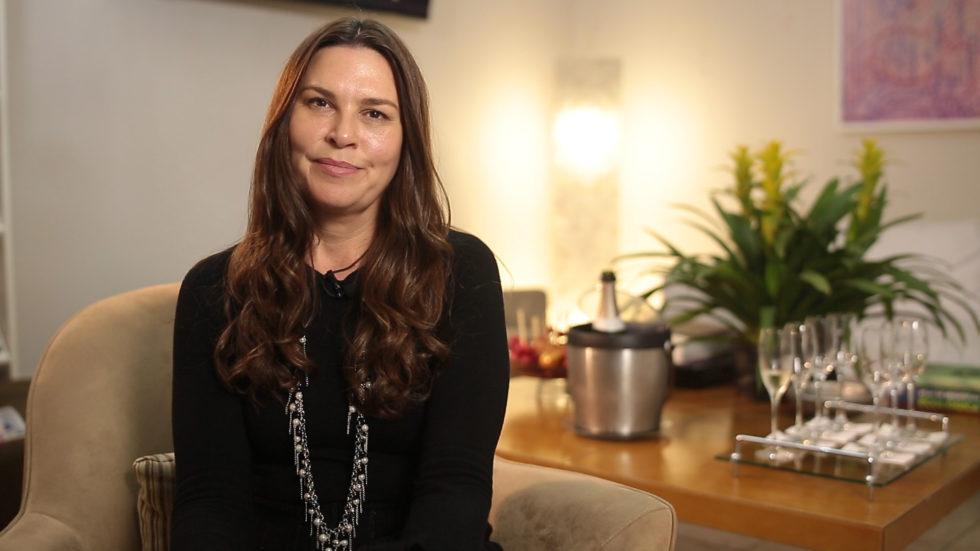 Dra Luciana Lourenço fala sobre manchas brancas na pele.
